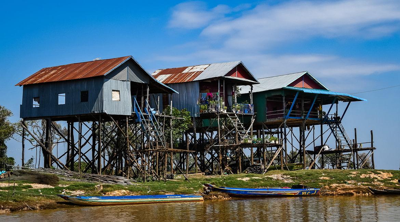 Látogatás a Kampong Phluk cölöpfaluban, Kambodzsában