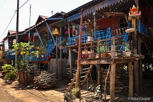 Kambodzsa, cölöpfalu