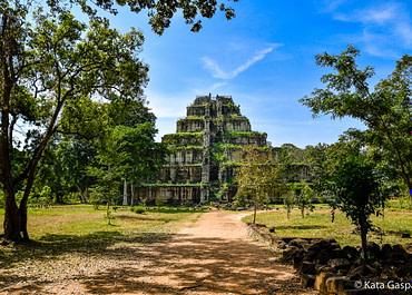 Egy nap az Isten háta mögött, Kambodzsában
