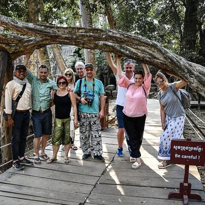 Thaiföld-Kambodzsa rímekbe foglalva - Tóth Árpád írása