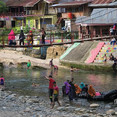 Bukit Lawang, a szumátrai dzsungel falu - Tüske Ágnes írása